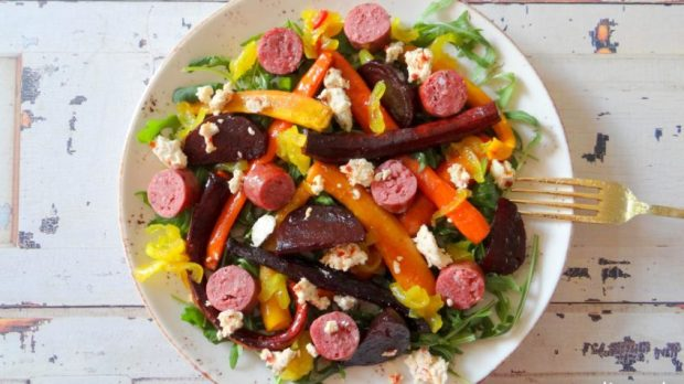 Salade-met-geroosterde-biet-wortel-en-sauzijs5-Copy-848x477